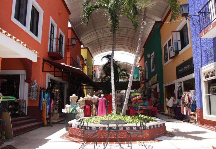Con el Mercadito Justo  de Plaza Bonita se busca fomentar el comercio orgánico. (Consuelo Javier/SIPSE)