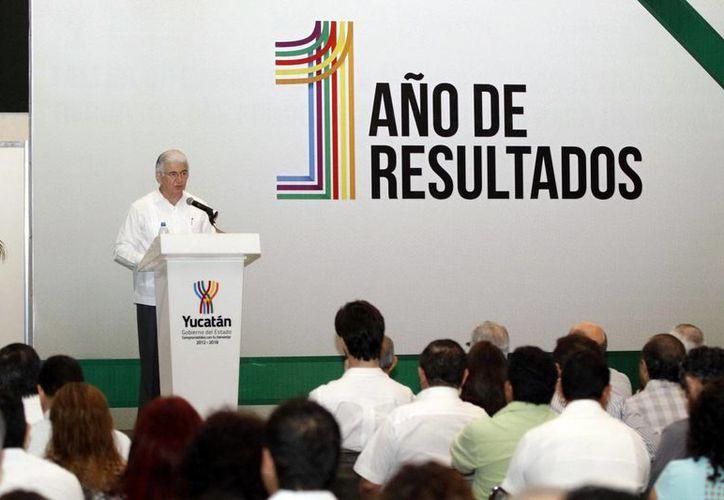 David Alpizar, de la Secretaría de Fomento Económico, invitó a empresas a invertir en Yucatán. (Milenio Novedades)