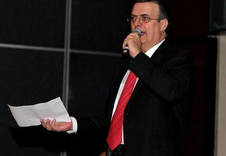 Las corrientes del PRD no quisieron cederle un lugar al exjefe de gobierno del Distrito Federal, Marcelo Ebrard.  (Foto de archivo de Notimex)
