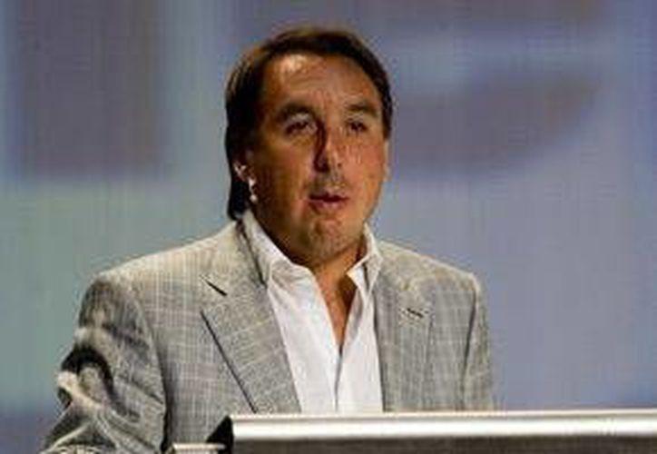 Grupo Televisa, actualmente dirigida por Emilio Azcárraga Jean(foto) realizará varios ajustes a su programación debido a problemas económicos. (Notimex)