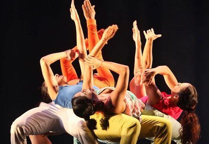 Una gran expresión corporal en escena proyecta la coreografía. (Milenio Novedades)