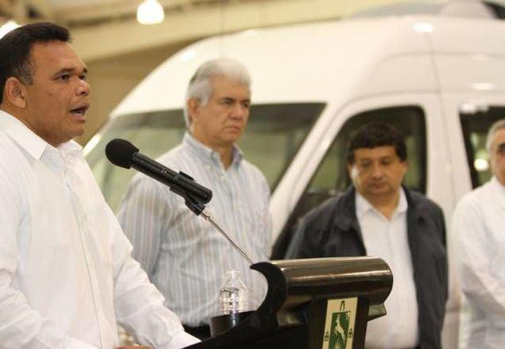 El gobernador Rolando Zapata presidirá 3 eventos este viernes, entre ellos la inauguración del distribuidor vial de acceso al puerto de Progreso. (SIPSE)
