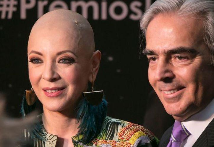 El viudo de la actriz Edith González y quien ha sido una figura paterna para Constanza Creel, también padece cáncer. (Foto: AP)