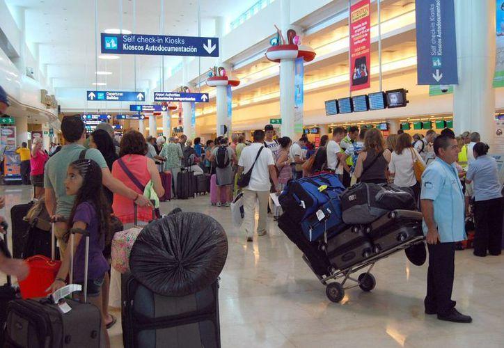 A partir del próximo fin de semana arribarán más vacacionistas a Cancún. (Tomás Álvarez/SIPSE)
