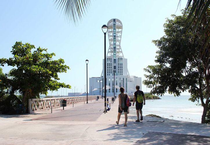 """La construcción de la entonces Mega Escultura """"Homenaje al Mestizaje"""" inició en 2003, con una inversión de 120 millones de pesos. (Joel Zamora/SIPSE)"""