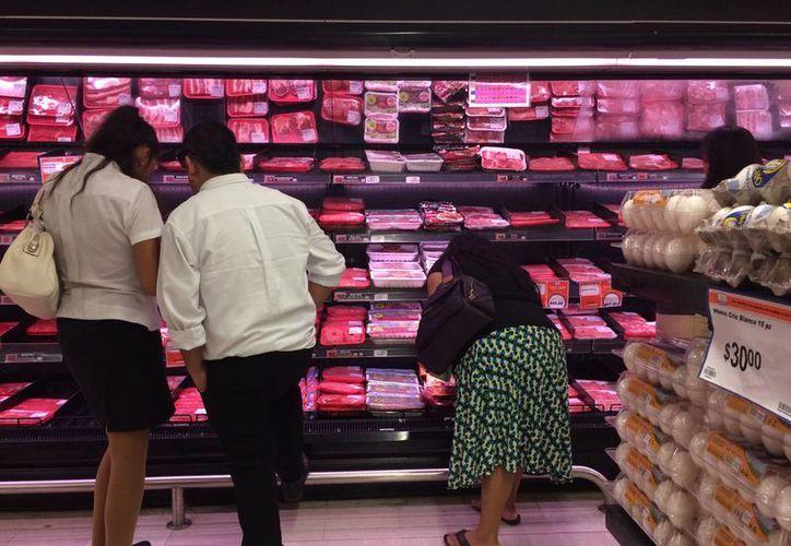 Necesitan revisar qué productos no deben ser afectados por el IVA. (Victoria González/SIPSE)