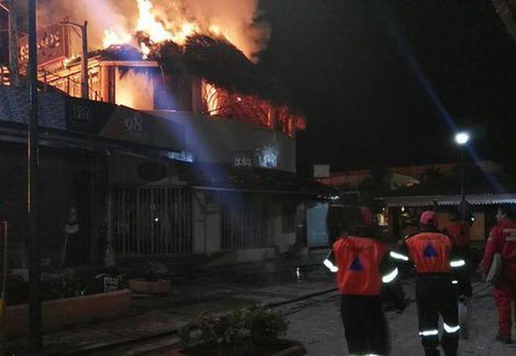 Reportan 8 bares y una casa como pérdida total. (Foto: Milenio)