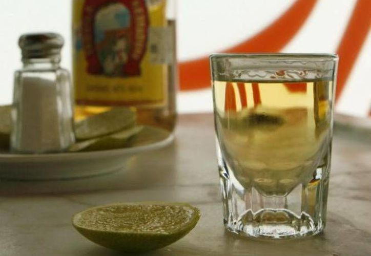Después de EU, el tequila mexicano goza de gran popularidad en los mercados de Alemania, España y Francia, así como en Japón y China. (Archivo/SIPSE)