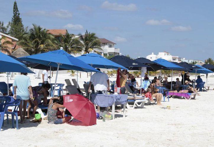 En Puerto Morelos solicitan cuatro accesos de playa. (Tomás Álvarez/SIPSE)