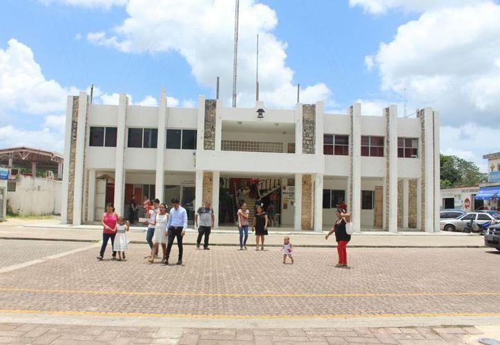 Durante la tercera sesión del Comité de Planeación para el Desarrollo Municipal se aprobaron los proyectos. (Jesús Caamal/SIPSE)