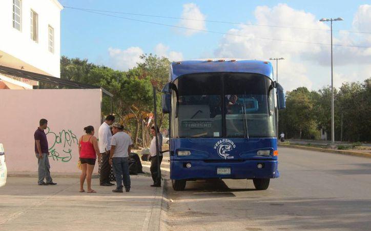 Buscan quitar permisos para que vehículos en malas condiciones no ingresen a Playa. (Foto: Octavio Martínez)