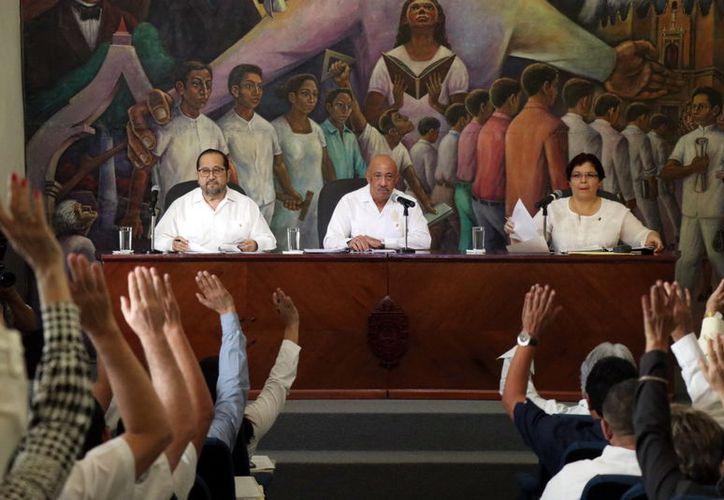 El consejo universitario aprobó el proyecto de gasto. (Novedades Yucatán)