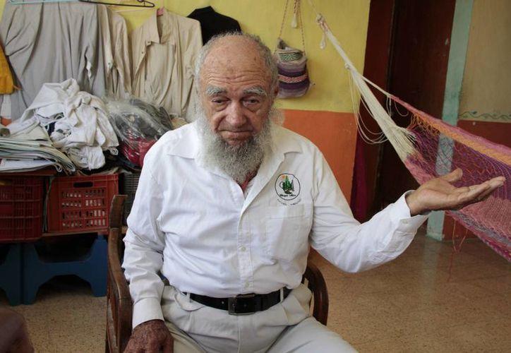 Borges León invitó a todos los que quieran aprender a cultivar la tierra, a contactarlo al número 9982-322924. (Tomás Álvarez/SIPSE)