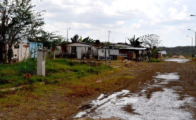 El proyecto incluye calles de acceso a centros de salud, planteles educativos y vías principales, el cual arrancará dentro de 40 días aproximadamente. (Ángel Castilla / SIPSE)