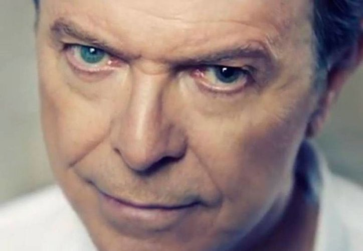 'David Bowie is' es un documental que lleva a la audiencia a un viaje extraordinario por la carrera y vida del cantante pop. (Archivo/metro.co.uk)