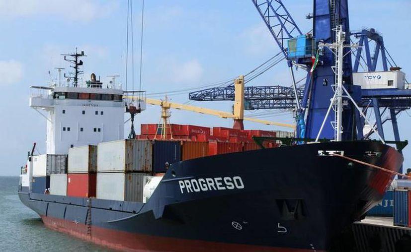 Afirman que en estos momentos se busca intensificar los lazos económicos entre  México y Estados Unidos. (Novedades Yucatán)