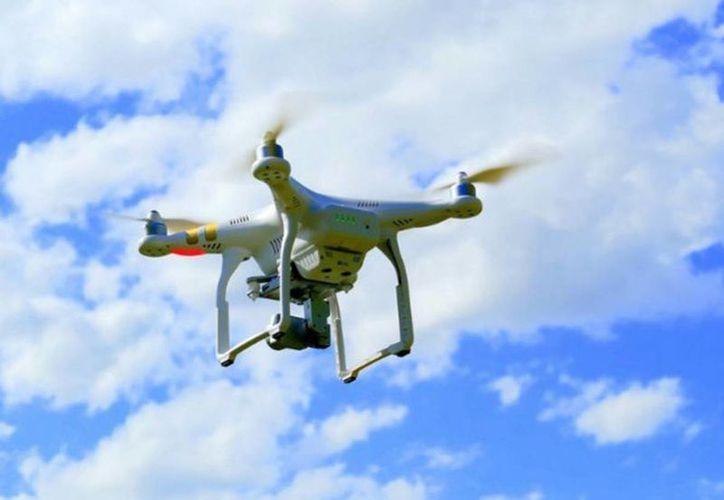 Llaman a hacer uso responsable de las aeronaves no tripuladas que son manejadas a distancia conocidas también como RPAS. (excelsior.com.mx)