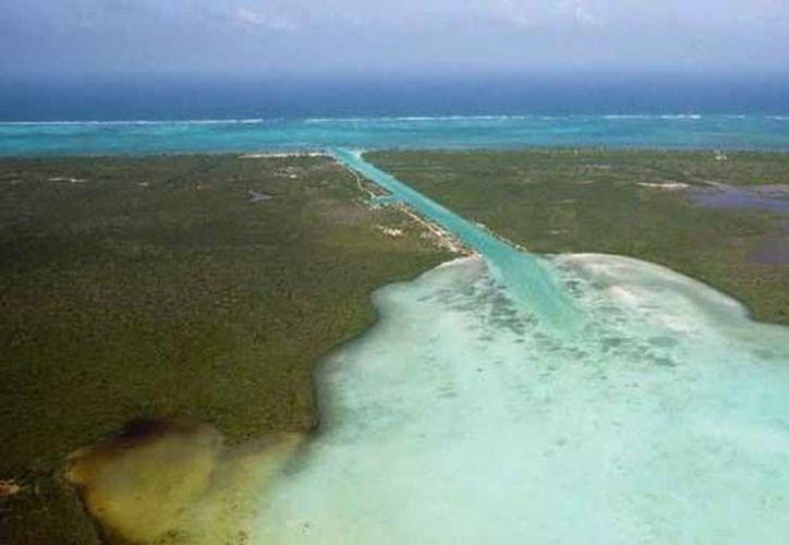 El Canal de Zaragoza permitirá la navegación entre la Bahía de Chetumal y el Mar Caribe. (Carlos Horta/SIPSE)