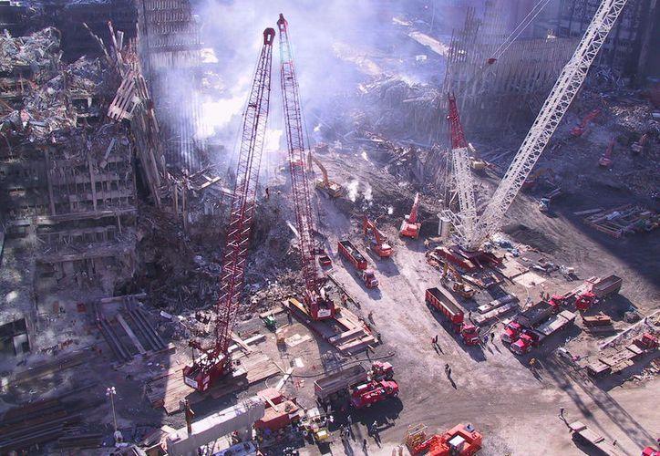 Miles de imágenes inéditas de las labores de limpieza tras el derrumbe de las Torres Gemelas de Nueva York, han sido difundidas recientemente. (Flickr/Jason Scott)