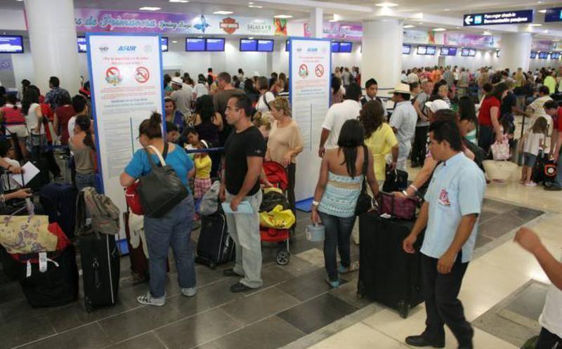 Operadora mexicana Asur incrementa sus acciones en Aerostar a 60%