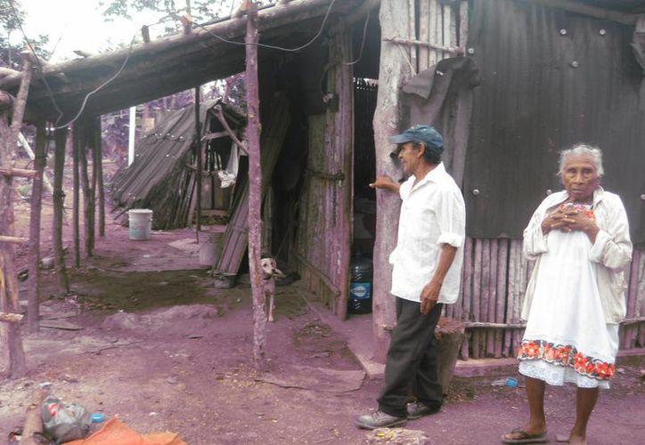 En la comunidad de Isidro Favela, los pobladores solicitaron ser tomados en cuenta para la construcción de 21 pies de vivienda. (Javier Ortiz/SIPSE)