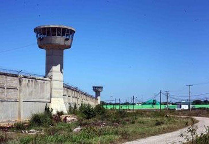 La sobrepoblación en los reclusorios yucatecos bajó de 13 a 10.8% en comparación con el año pasado. (SIPSE)