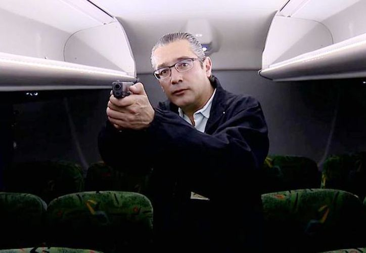 Imagen del titular de la Pgjem, Alejandro Jaime Gómez Sánchez, encargado de la investigación del justiciero del autobús. (Captura de pantalla/Pgjem)