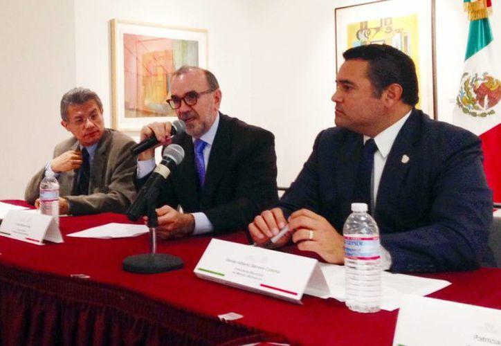 Renán Barrera Concha sostuvo un encuentro con el cónsul general de México en Los Ángeles, Carlos Rubén Sada Solana. (Milenio Novedades)