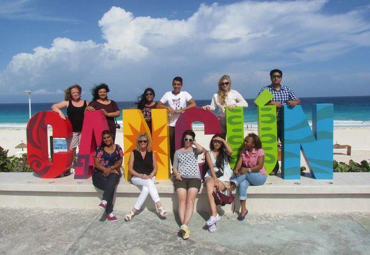 Los estudiantes, durante su estancia, conocieron muchos lugares de Quintana Roo y Yucatán, en busca de la cultura maya. (Sergio Orozco/SIPSE)