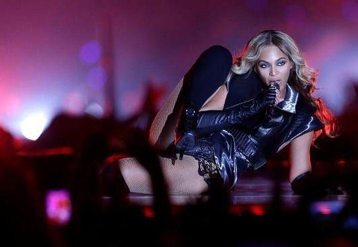 Beyonce acompañara a Coldplay el próximo 7 de febrero en el espectáculo de medio tiempo del Súper Tazón L. (Archivo AP)