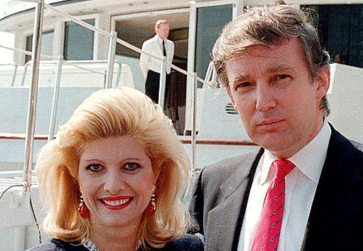 Ivana y Donald Trump decidieron poner fin a su matrimonio en 1990. Ella obtuvo una cuantiosa pensión anual. (thegatewaypundit.com)