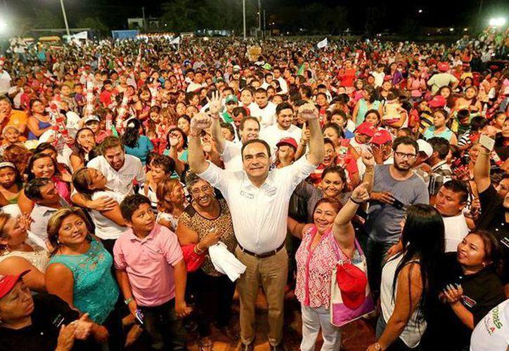 'Permítanme convencerlos con mi trabajo, demostrarles que las comisarías de Mérida merecen más', dijo Nerio Torres Arcila, candidato del PRI a la presidencia municipal de Mérida. (Cortesía)