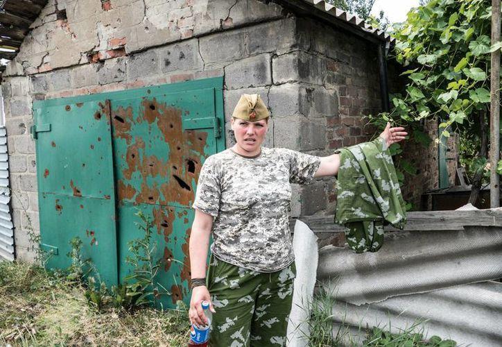 Algunas mujeres en Donbass, Ucrania, se alistaron voluntariamente al Ejército para apoyar en la guerra. (Fotos: Notimex)