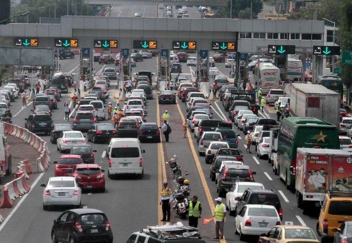 La empresa Axa asegura que aún no tiene el resultado esperado en cuanto a los seguros obligatorios para circular por carreteras federales.  (Archivo/Notimex)