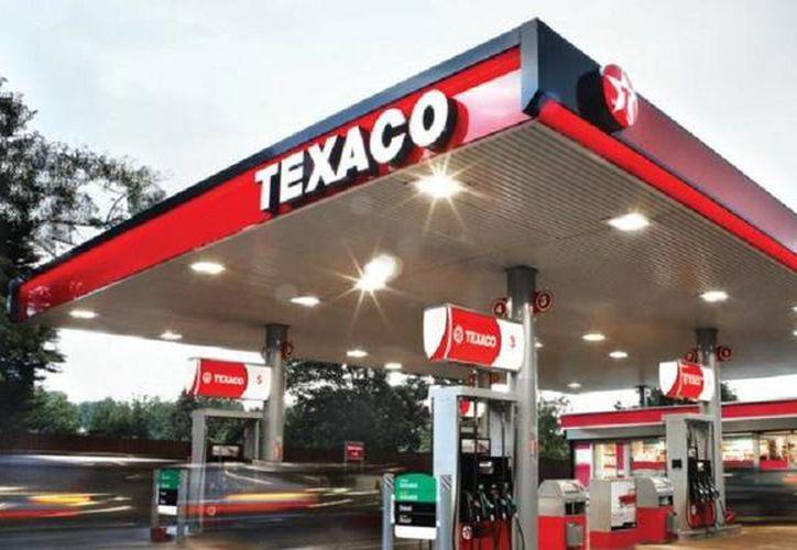La cadena de gasolineras FullGas traerá la marca Texaco a México para el segundo semestre de 2017. (almomento.mx)