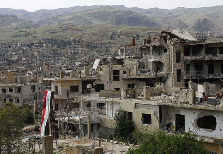 El bombardeo apuntó a una prisión del Estado Islámico en la ciudad de Mayadin. (AP).