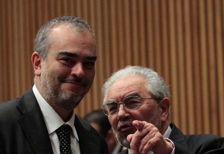 Los consejeros Alfredo Figueroa (izq) y Sergio García Ramírez durante una sesión ordinaria. (Archivo/Notimex)