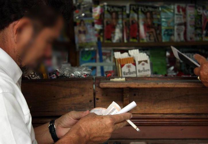 Evitar el consumo de tabaco y alcohol retrasa la aparición de este padecimiento. (Milenio Novedades)