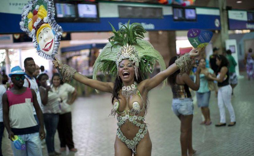 Brasil, que está interesado en armamento ruso, está inmerso ahora en su famoso Carnaval. (Agencias)