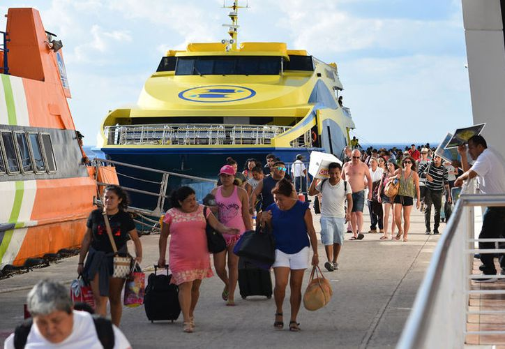 Actualmente sólo operan Ultramar y Barcos México en los puertos de Cozumel y Playa. (Foto: Gustavo Villegas)