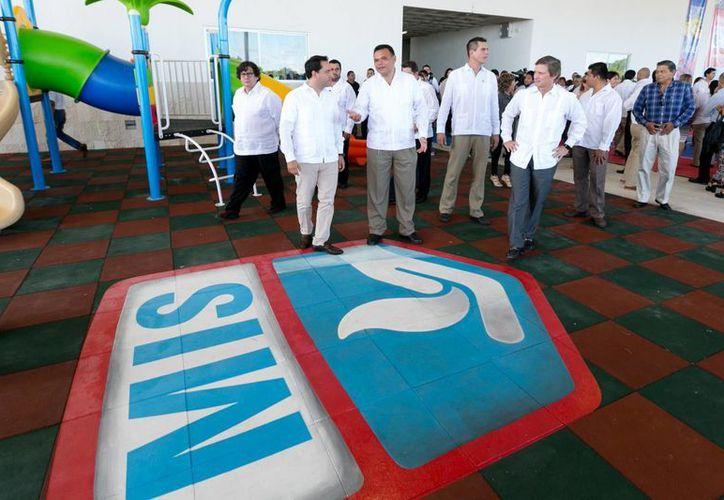 El gobernador Rolando Zapata y el alcalde meridano Mauricio Vila presidieron la inauguración del Madison International School Campus Country –Mérida. (Fotos cortesía del Gobierno de Yucatán)