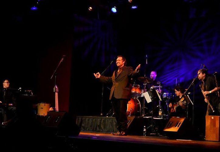 El tenor mexicano Umberto Veloz tiene planes de presentarse en Cancún. (Redacción/SIPSE)