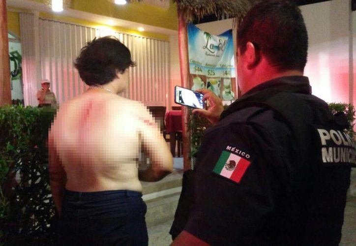 Comensales de un restaurante vieron a los hombres y de inmediato llamaron a las autoridades. (Foto: Redacción/SIPSE).