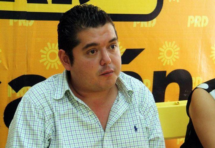El presidente estatal del Sol Azteca, Bayardo Ojeda Marrufo anunció a los posibles precandidatos a cargos públicos para el próximo año. (Milenio Novedades)