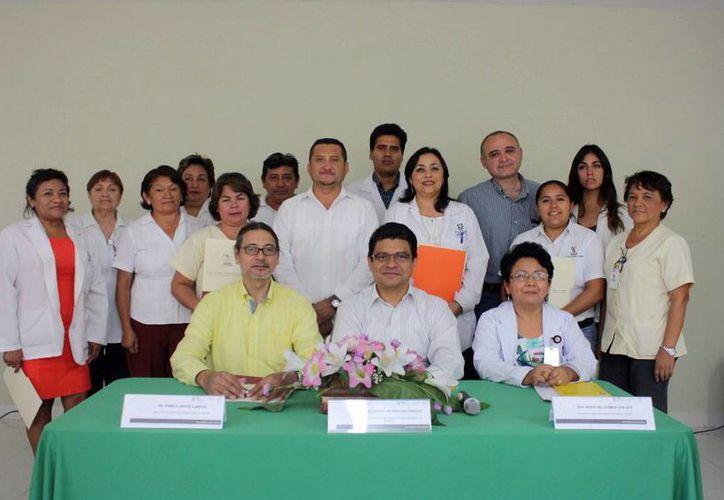 Integrantes de personal del Hospital Psiquiátrico Yucatán que tomaron el curso de 'Prevención de la tortura' de derechos humanos . (Milenio Novedades)