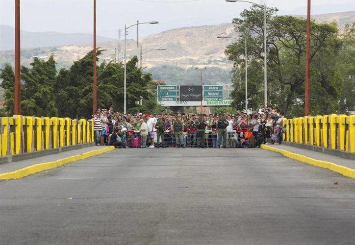 Lado colombiano de la frontera con Venezuela, la cual fue cerrada por órdenes del presidente Nicolás Maduro. (EFE)