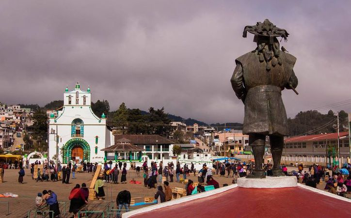 El domingo se realizó un plebiscito en San Juan Chamula para elegir a un nuevo presidente municipal, pues el anterior renunció por amenazas. (divergente.mx)