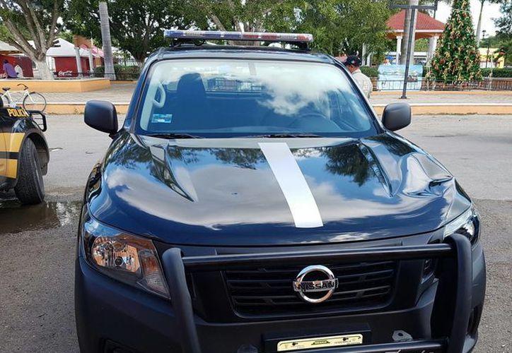 Vehículo policiaco dañado por los jóvenes, quienes estaban alcoholizados. (SIPSE)