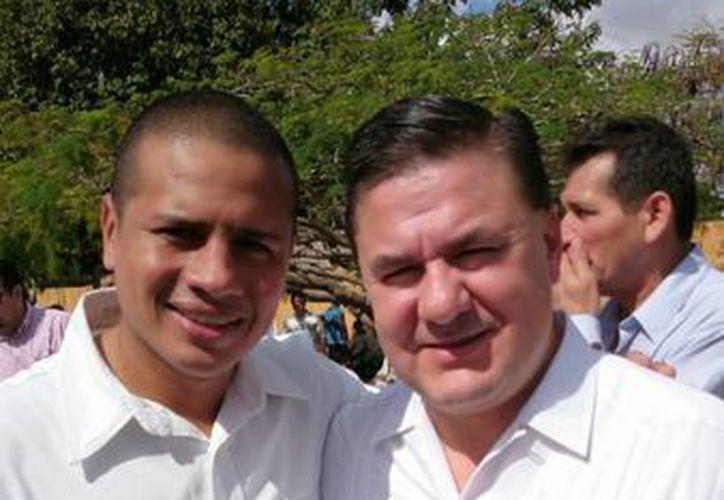El regidor priista Gustavo Espadas (i) con el director de la Conade, Jesús Mena Campos. (SIPSE)