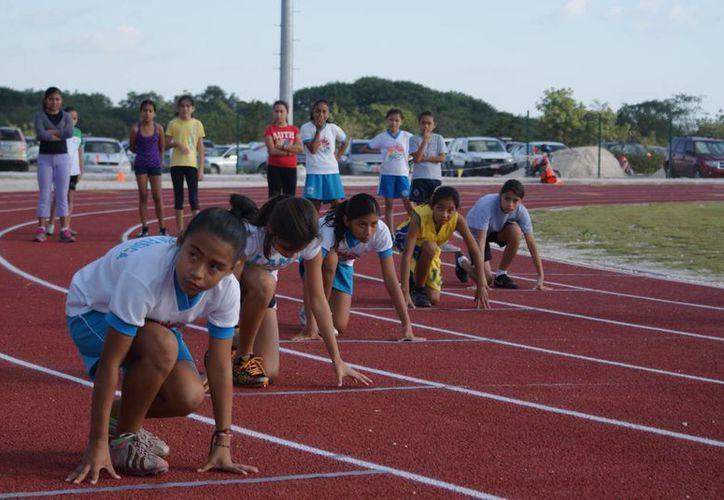 Serán alrededor de 150 atletas repartidos en dos categorías: Sub16 y Sub 18, que buscarán dar las marcas en las diversas modalidades. (Ángel Mazariego/SIPSE)
